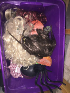 Halloween wigs and decorations box