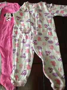 Girls sleepers/ pyjamas and adorable housecoat London Ontario image 3