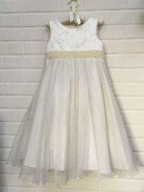Beautiful bridesmaid / party dress 8yrs 128cm - perfect for Christmas time