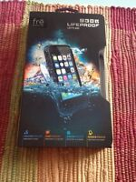 Brand new lifeproof case for 5-5s