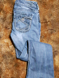 Size 26 silver and american eagle jeans