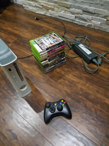 EXCELLENT CONDITION XBOX360 + WIRELESS CONTROLLER + 15 GAMES Peterborough Peterborough Area image 1