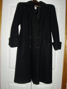 LADIES BLACK CLOTH COAT