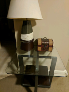 2 side tables, 2 lamps