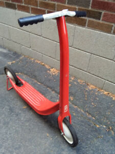 VINTAGE RED reproduction  Radio Flyer SCOOTER