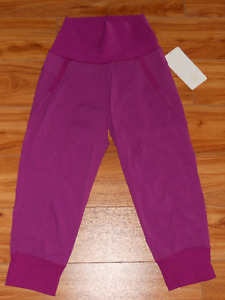 Lululemon In Flux Crop size 2 New with Tags