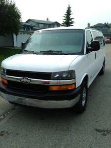 2004 Chevrolet Savanah / Express 15 passenger Van