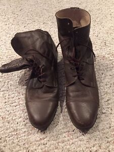 Brown leather riding/paddock boots