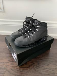 Air Jordan 9 Retro size 5.5Y Black/Grey