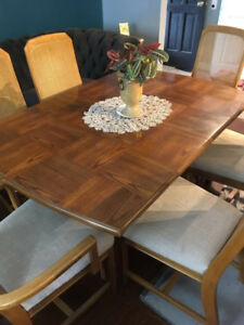 Solid Oak Dining Room Set. Priced to sell quickly!