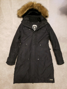 Aritzia TNA winter jacket in black size xs