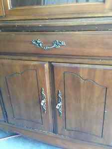 Gorgeous Solid Wood Hutch and Buffet Kitchener / Waterloo Kitchener Area image 4