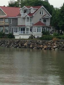 Maison Victorienne luxueuse, vue fleuve, quai et Marina