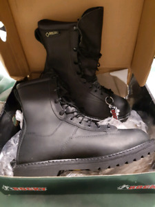BRAND NEW GORE-TEX THINSULATE LEATHER BOOTS MENS 8