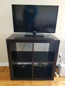 RCA 32 inch LCD TV and stand