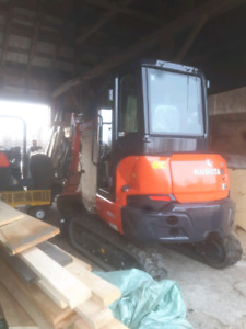 Mini excavator for rent east of Ottawa