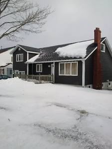 4 bedroom appartmant across the road from MUN