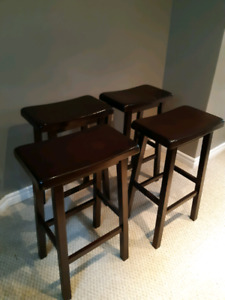 4 Kitchen/ Bar stools ($60 for 4 stools)