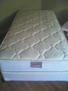 twin size bed excellent condition