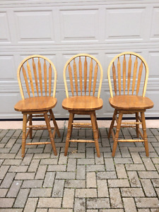 Swiveling bar chairs - set of 3