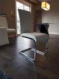 AMAZING DINING ROOM CHAIRS London Ontario image 1