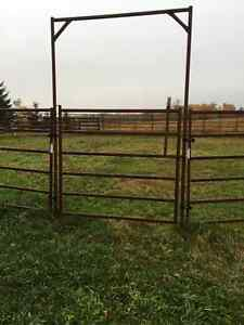 16' HI-QUALL ROUND PEN WITH RIDE-THROUGH GATE
