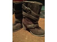 Size 5 women's brown boots