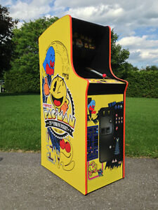 PACMAN & MRS PACMAN UPRIGHT & CT TABLES