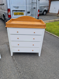 White and Oakwood chest of drawers £75 matching locker £30