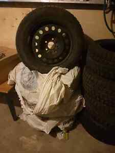 4 winter tires with rim 400$$$$$ West Island Greater Montréal image 2