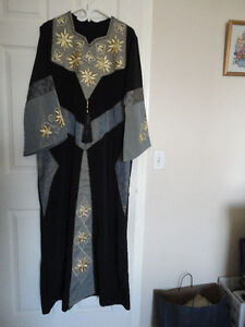 Abaya, black in excellent condition for only $35