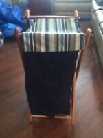 BEAUTIFUL REAL WOODEN AND JEAN MATERIAL HAMPER  EXCELLENT CONDI