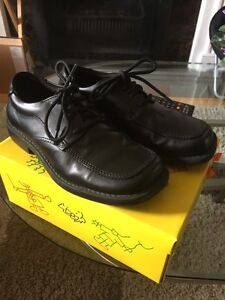 Boys dress shoe -size 13 1/2
