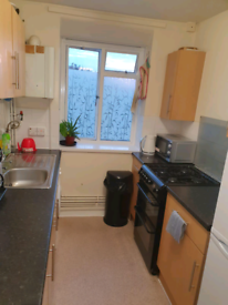 Double bedroom in tower hamlets E14