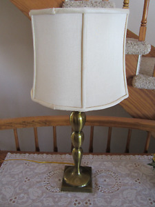 BRASS COLOURED TABLE LAMP