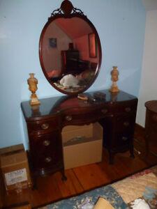 Mobilier de chambre acajou, antiquité 1920, 4 meubles