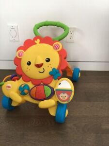 Lion trotteur Fisher-Price