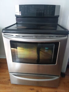 Kenmore Electric Stove (Self-Cleaning)