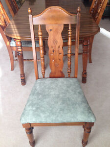 Mint condition dining room set London Ontario image 2