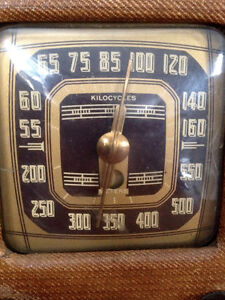 Antique Radio Tweed with ROGERS MAJESTIC Chassis 9M452 Stratford Kitchener Area image 3
