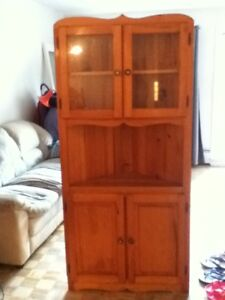 Superbe!!! meuble en coin en bois naturel!!!