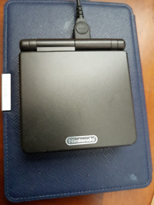Nintendo GameBoy Advance SP + 2 games and charger