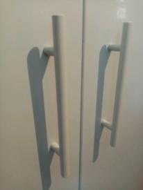 New, 18 x white T-bar cupboard handles