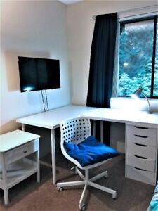 Private room - near SFU, BCIT, transit to downtown