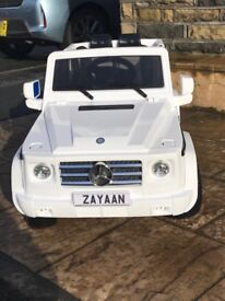 Mercedes G55, White,Rubber Tyres,Parental Remote & Self Drive