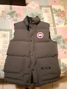 Canada Goose vest 'REAL'