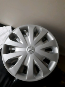 ORIGINAL NISSAN WHEEL COVERS 15 INCHES