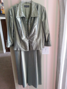 Sz 18 Mother of the Bride / Groom dress formal evening gown