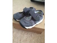 Nike sandals (size 4.5)