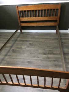 Beautiful Antique Solid wood 3/4 bed frame.